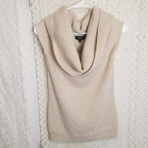 Theory Cashmere Cream Cow Neck Sweater Size S